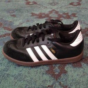 Kids Adidas Sambas Size: 2